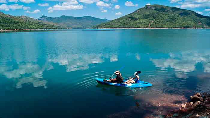 Canoeing on the Tranco de Beas reservoir
