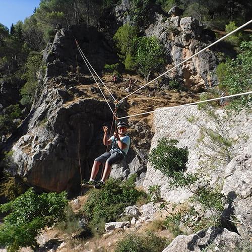 Tirolina, rápel y escalada
